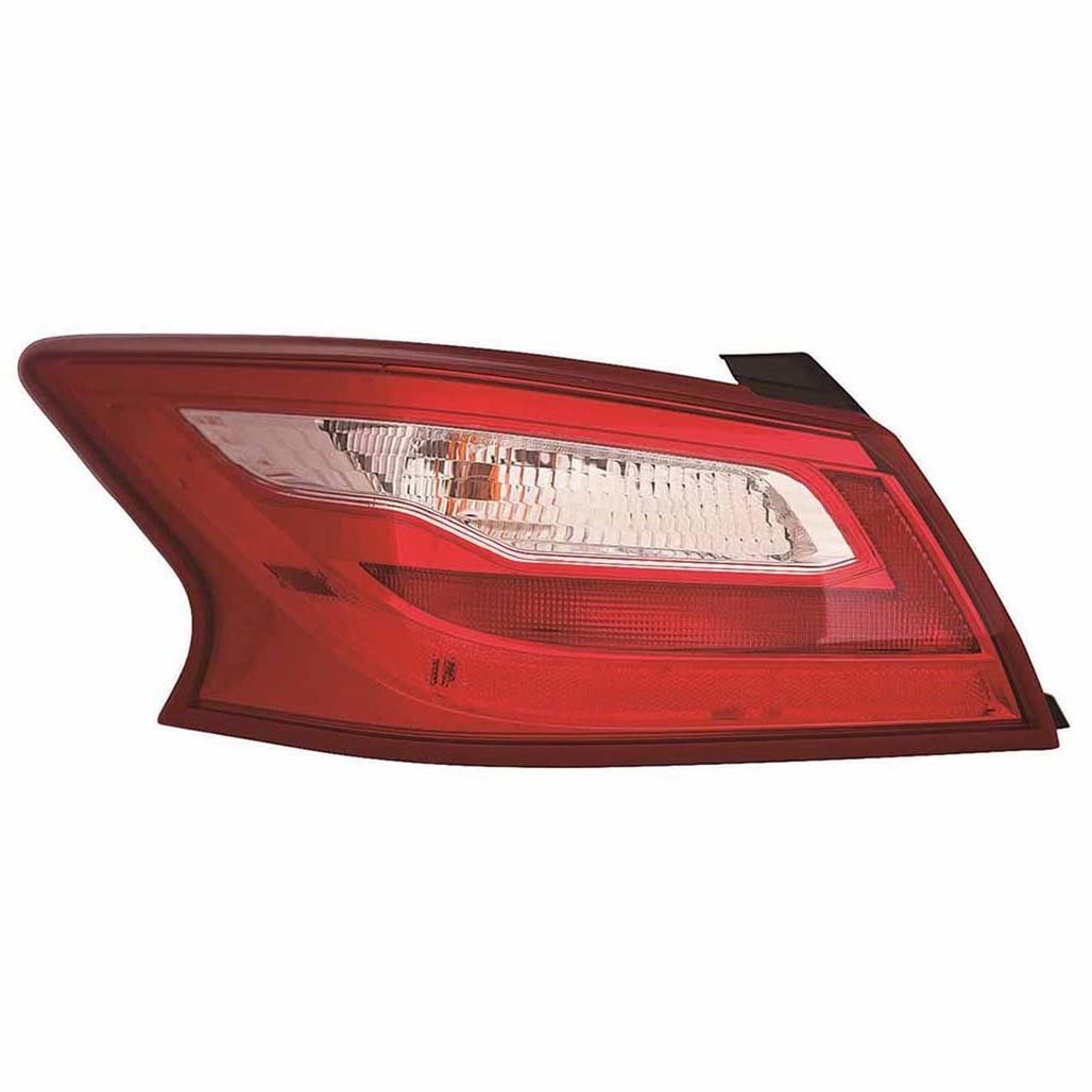 Nissan Altima sedan 2016 2017 2018 tail light left driver