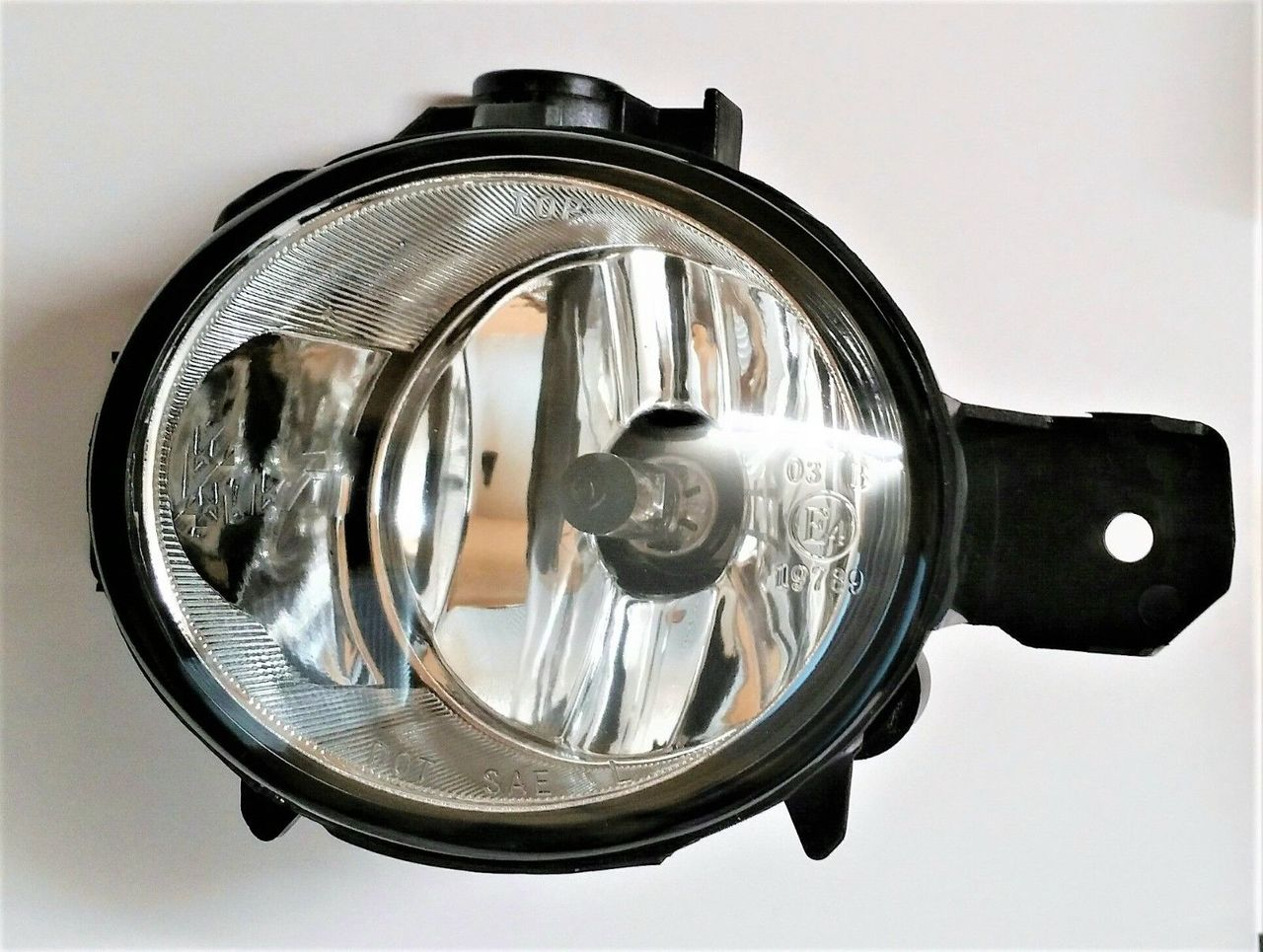 BMW X3 2007 2008 2009 2010 E83 left driver fog light