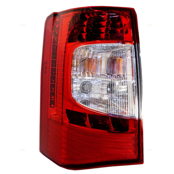 Chrysler Town and Country 2011 2012 2013 2014 2015 2016 tail light left driver