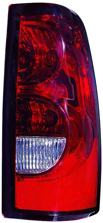 Chevrolet Silverado 1500 / 2500 / 3500 2004 2005 2006 2007 tail light right passenger