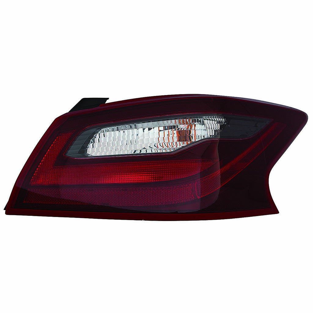 Nissan Altima sedan 2016 2017 2018 tail light right passenger SR model
