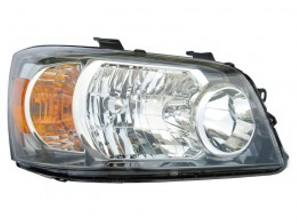 Toyota Highlander Hybrid 2006 right passenger headlight