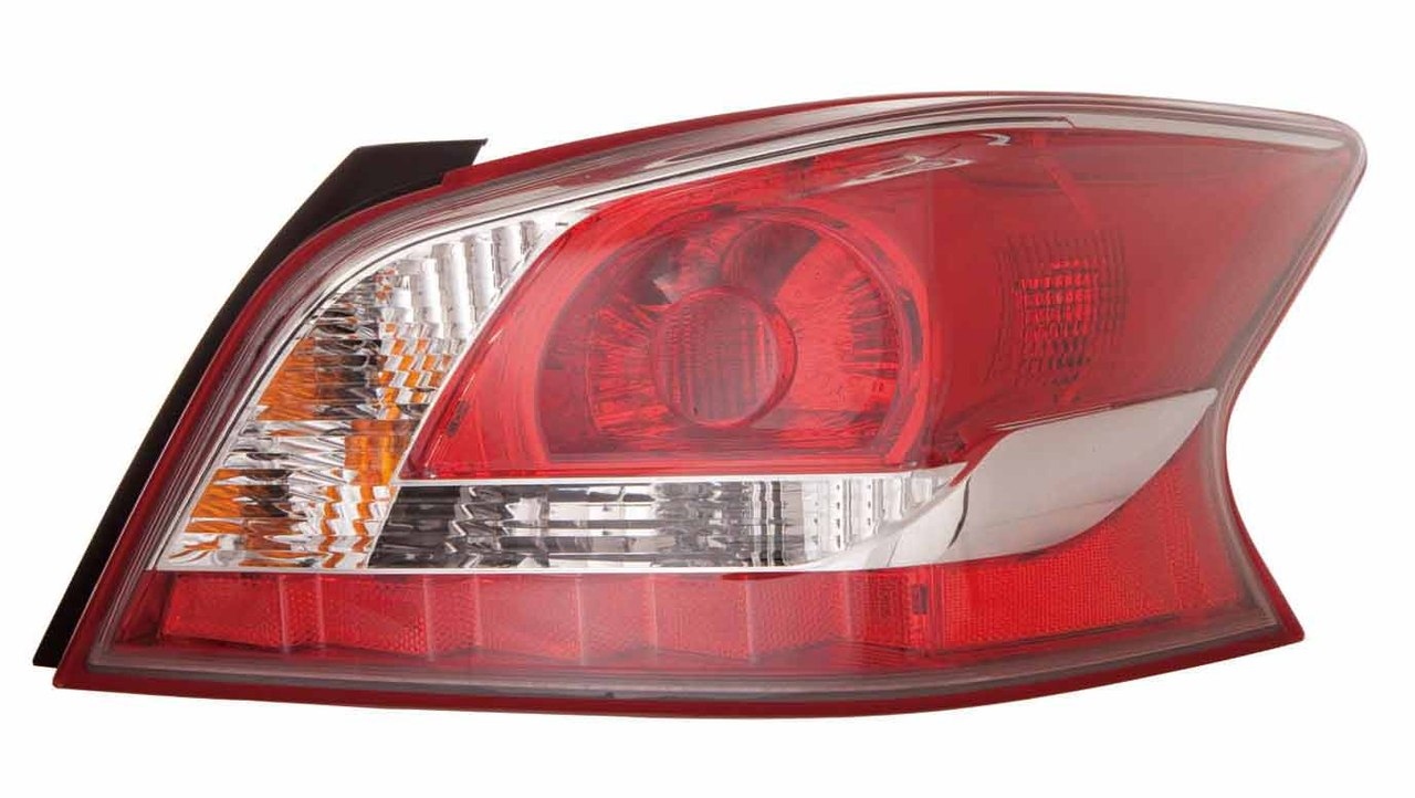 Nissan Altima sedan 2014 2015 tail light right passenger